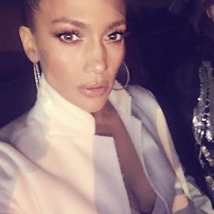 Jennifer Lopez Selfies 3