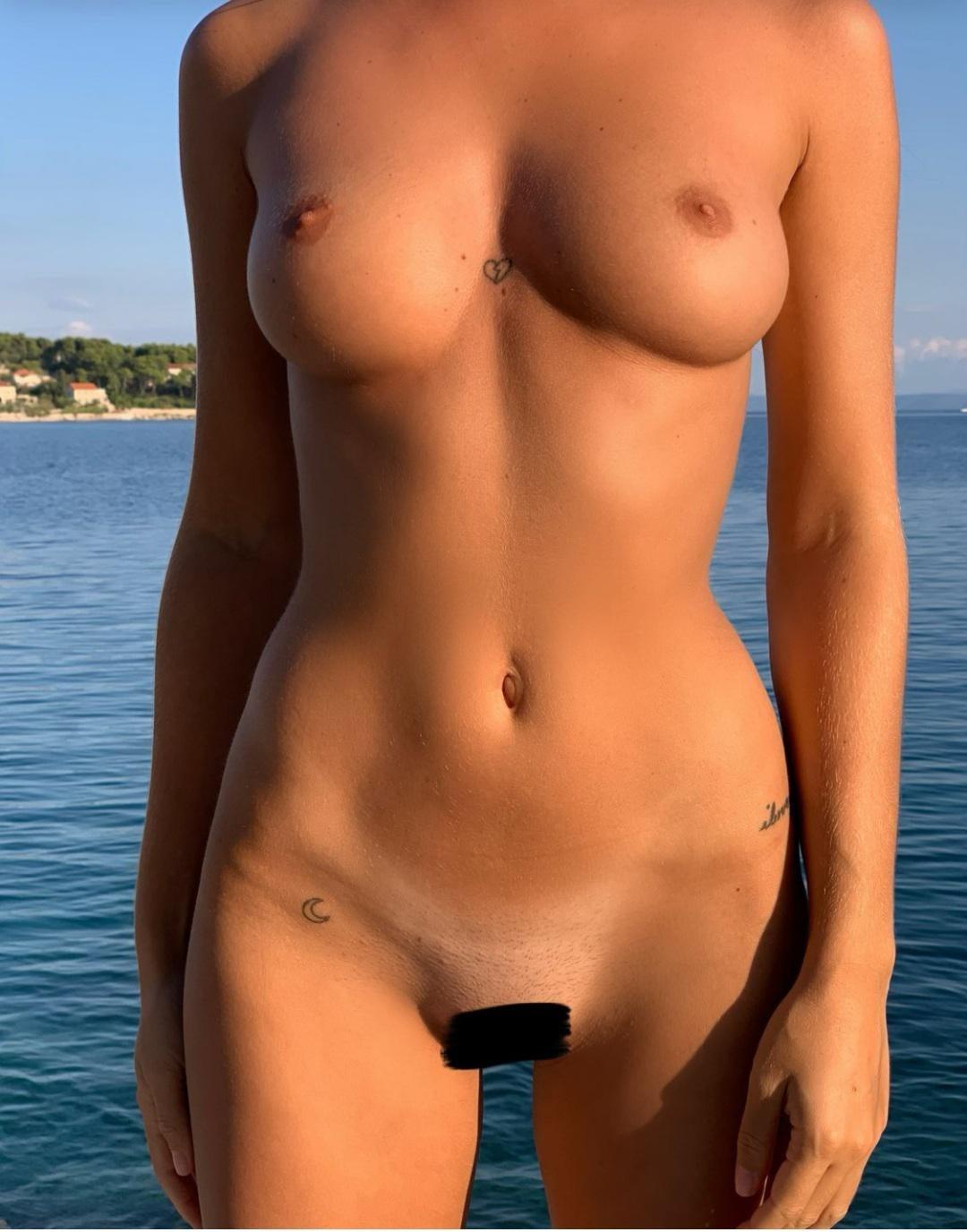 Pauline tantot nackt