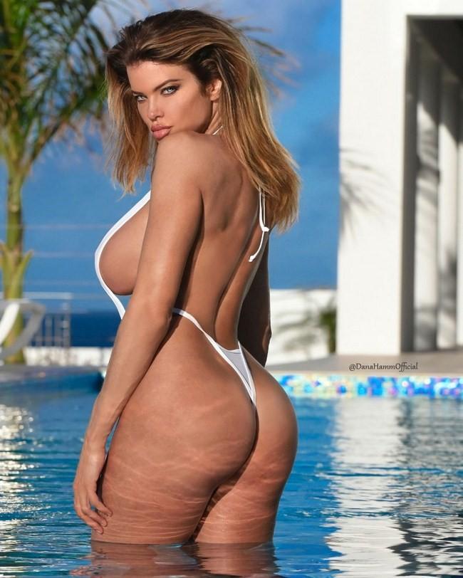 1 Dana Hamm nude photos 3