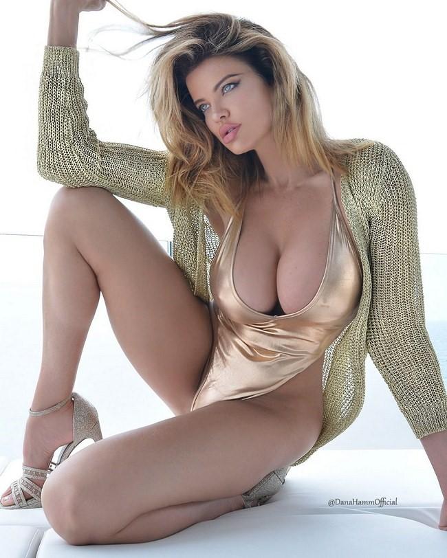 Dana Hamm nude photos 19