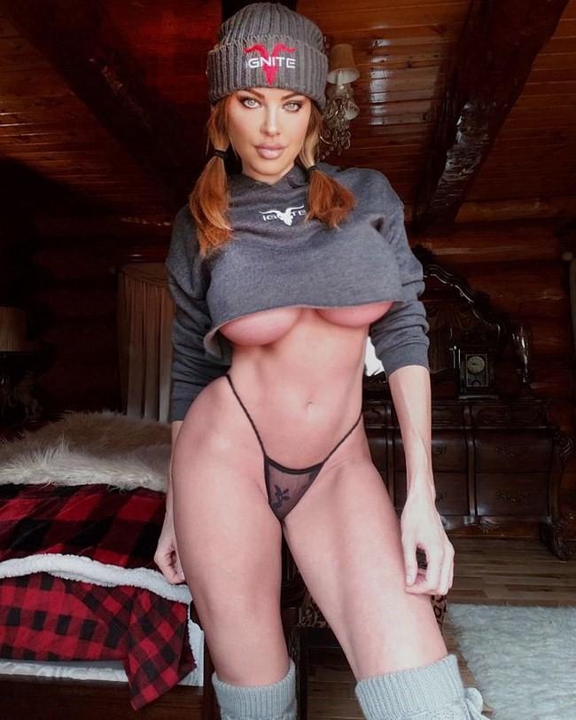 Dana Hamm nude photos 26