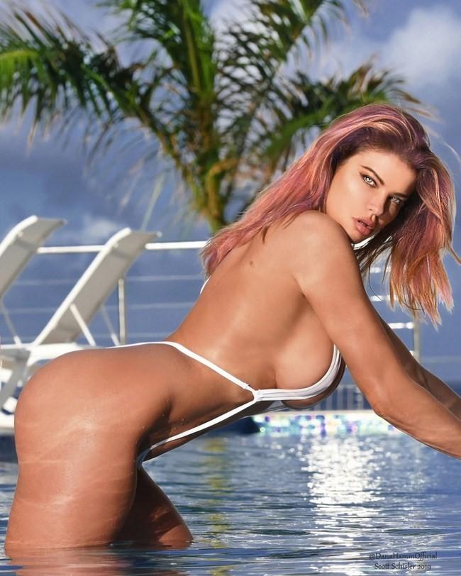 Dana Hamm nude photos 9