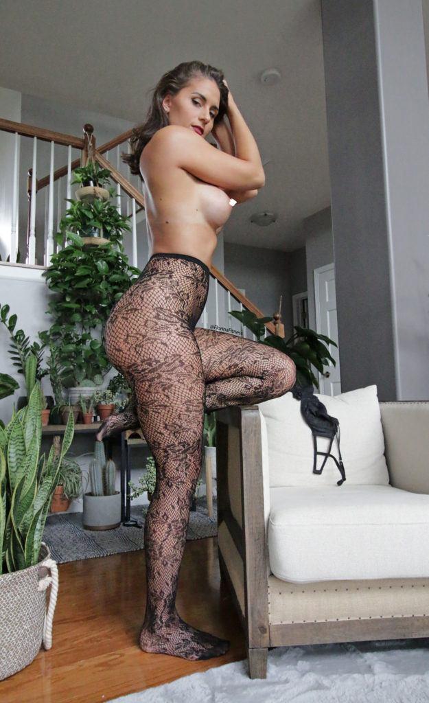 FitNakedGirls.com Florina Fitness nude 22 625x1024 1