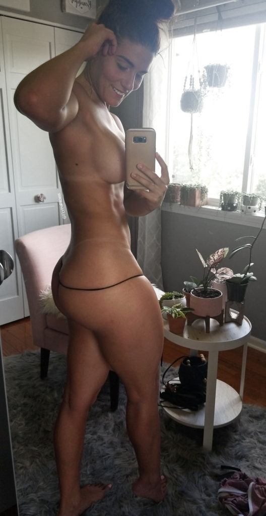 FitNakedGirls.com Florina Fitness nude 25 528x1024 1