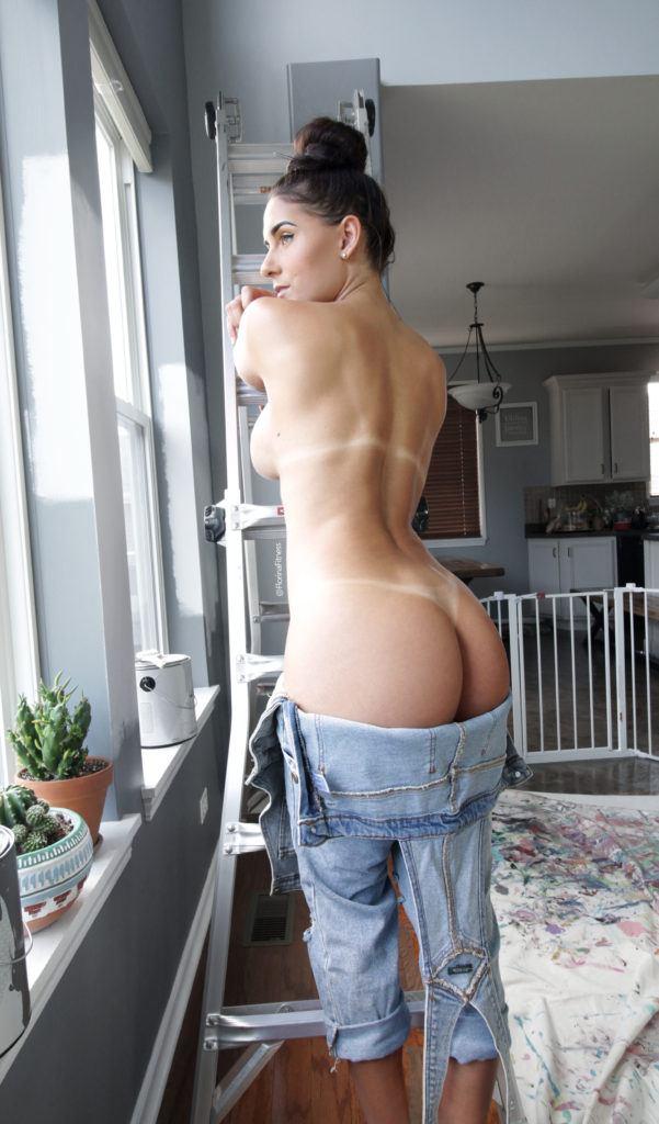 FitNakedGirls.com Florina Fitness nude 28 601x1024 1