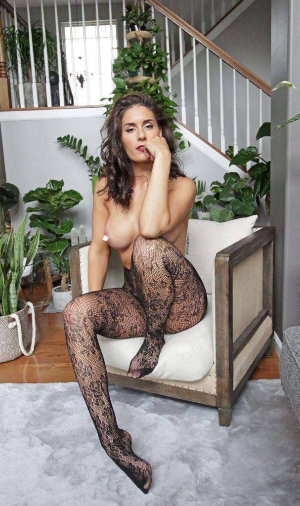 FitNakedGirls.com Florina Fitness nude 43 607x1024 1